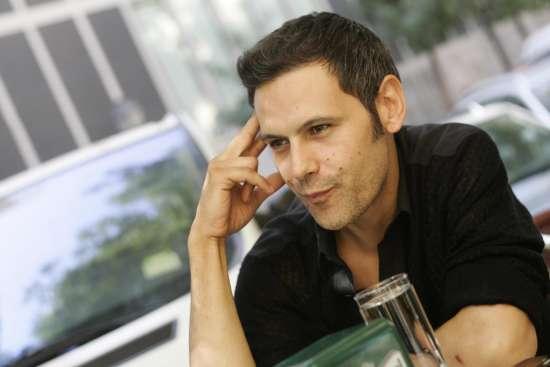 """la juventud del actor roberto enriquez protagonista de la serie hispania La juventud del actor Roberto Enríquez protagonista de la serie """"Hispania"""""""