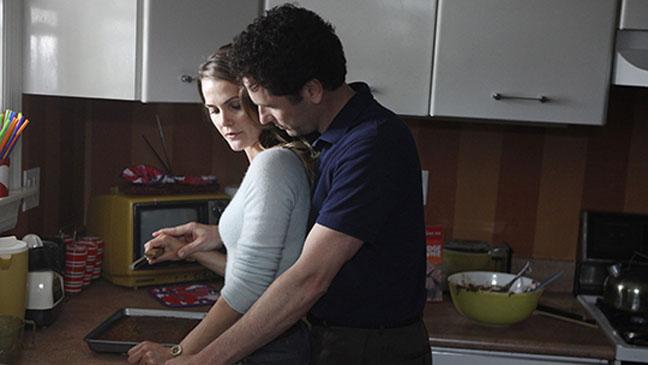 """Matthew Rhys y Keri Russell en la serie """"The Americans""""."""