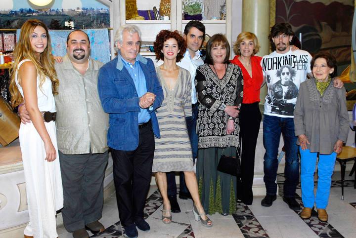 Elenco de Stamos okupa2 la nueva comedia de La 1 de TVE. Carmen Maura y Anabel Alonso ocuparán la noche del viernes en La 1
