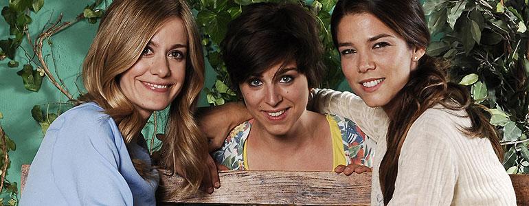 Las protagonistas femeninas de Familia la nueva comedia de Telecinco cuyo futuro es incierto. Familia no gusta en Telecinco, que paraliza la serie