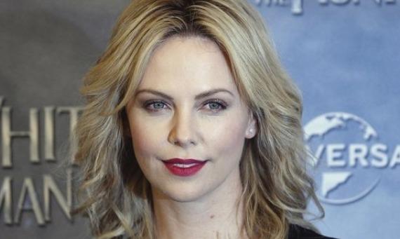 Theron1 ABC compra una serie de época a Charlize Theron