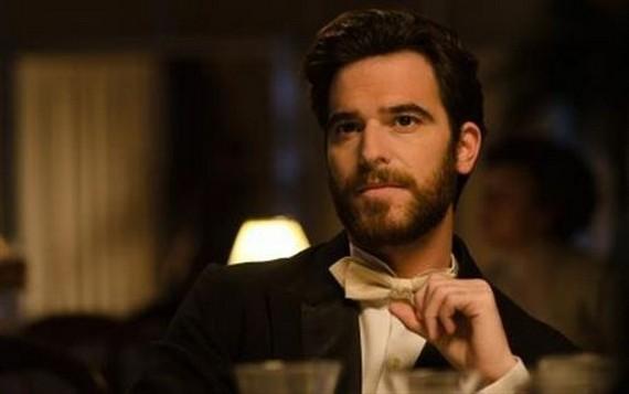 Alfonso Bassave Copiar Alfonso Bassave nuevo protagonista en Gran Hotel