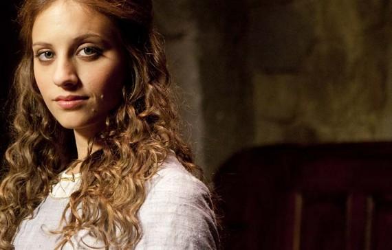 Isabel Copiar Isabel coronada reina y líder indiscutible del lunes