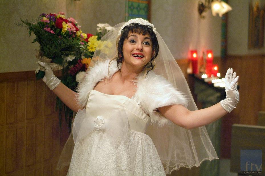 Macu va esta noche de boda aunque no ser%C3%A1 la suya. Macu va de boda, esta noche en Aída
