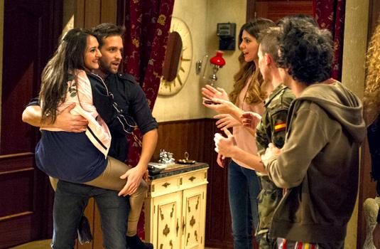 Pablo Alborán cameo en 'Aída'.