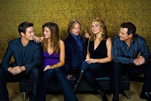 Parte del elenco de la serie Reglas de compromiso que emite la CBS. La 7ª temporada de Reglas de compromiso y de la nueva serie Golden Boy son las novedades de la CBS