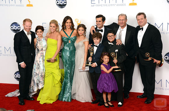 33214 actores modern family emmy 2012 opt Modern Family 4x15: Corazón Roto