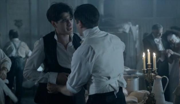Julio ha planear una huida con Alicia, esta noche en 'Gran Hotel'.