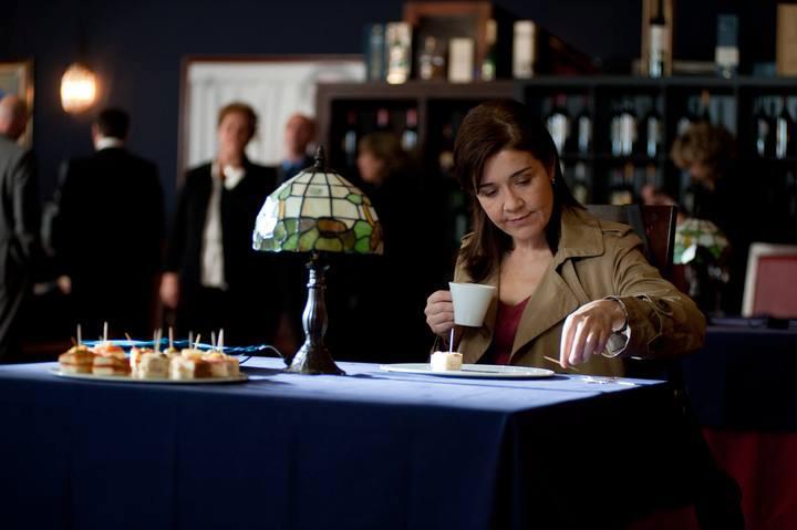 Mar%C3%ADa Pujalte en una escena del cap%C3%ADtulo de Los misterios de Laura.2 Los misterios de Laura 1x05: El misterio del loro azul