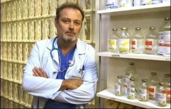 Pablo Carbonel en Hospital Central como el Doctor Gimeno