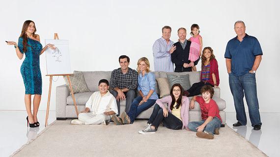Comienza cuarta temporada Modern Family TINIMA20121112 0197 3 opt Modern Family 4x19: Los Dunphys del futuro