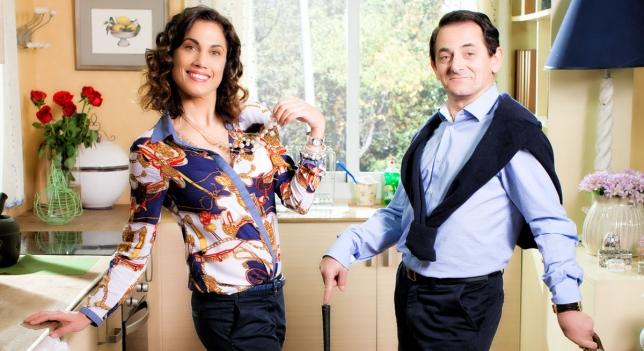 Iñaki Miramón y Toni Acosta en la serie 'Con el culo al aire'.