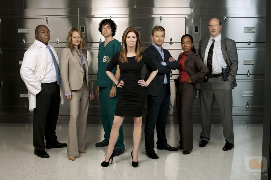 Dana Delyne y el resto del elenco de la serie El cuerpo del delito. El cuerpo del delito 1x07: Todo queda en familia