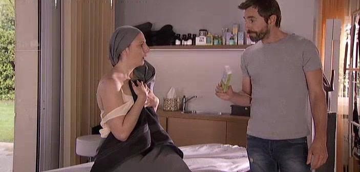 Malena Alterio es la actriz invitada de esta semana en 'Frágiles', en la escena con Santi Millán.