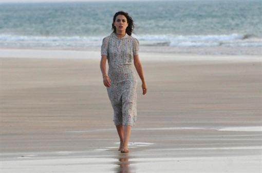 Adriana Ugarte en una escena de la serie de %C3%A9poca El tiempo entre costuras.s. El tiempo entre costuras 1x07