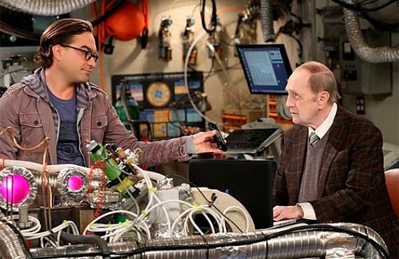 The Big Bang Theory 7x07 The Romance Resonance Johnny Galecki y Bob Newhar opt The Big Bang Theory 7x07