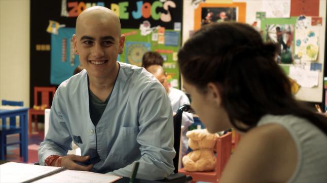 Lleó (Àlex Monner) es el protagonista de 'Pulseras Rojas'.