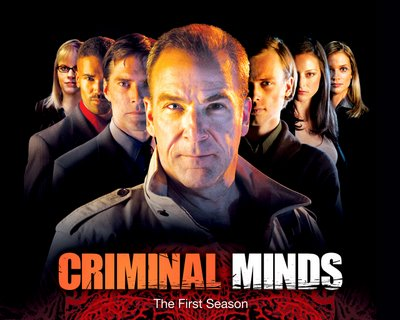Wallpaper de 'Mentes criminales' con Mandy Patinkin.