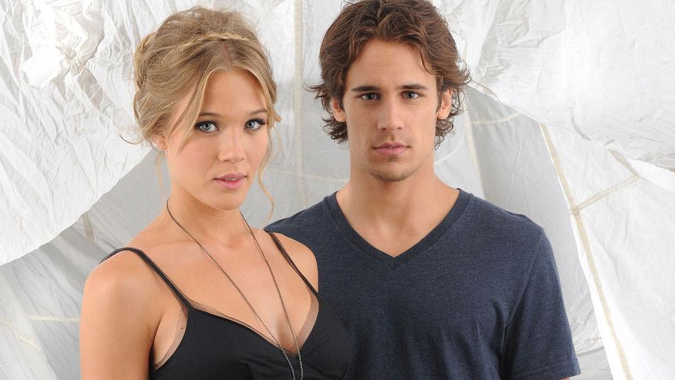 Patricia Montero y Martín Rivas protagonizan 'El don de Alba'.