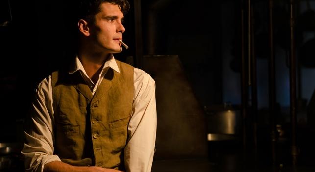 Yon González es Julio Olmedo en la serie 'Gran Hotel'