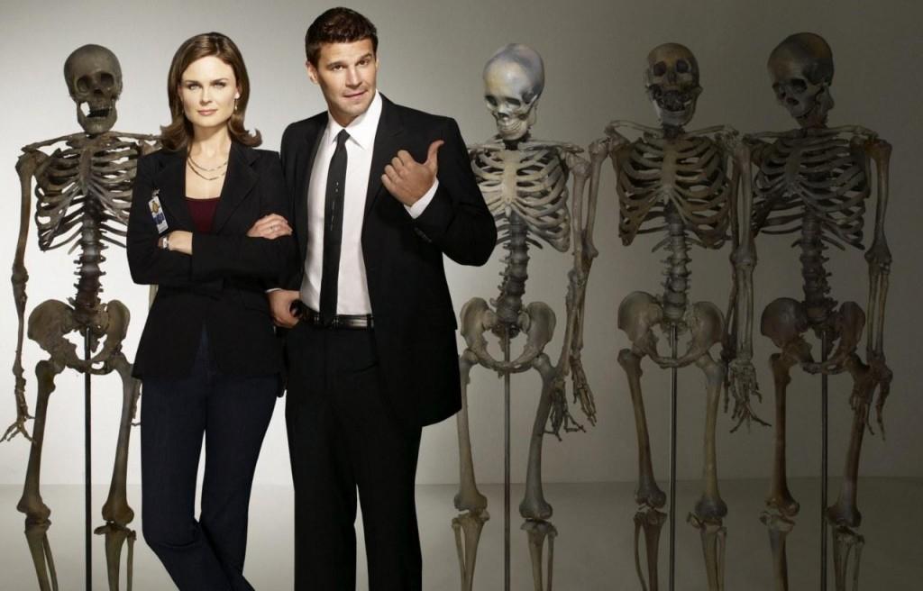 David Boreanaz y Emily Deschanel protagonizan la serie 'Bones'.